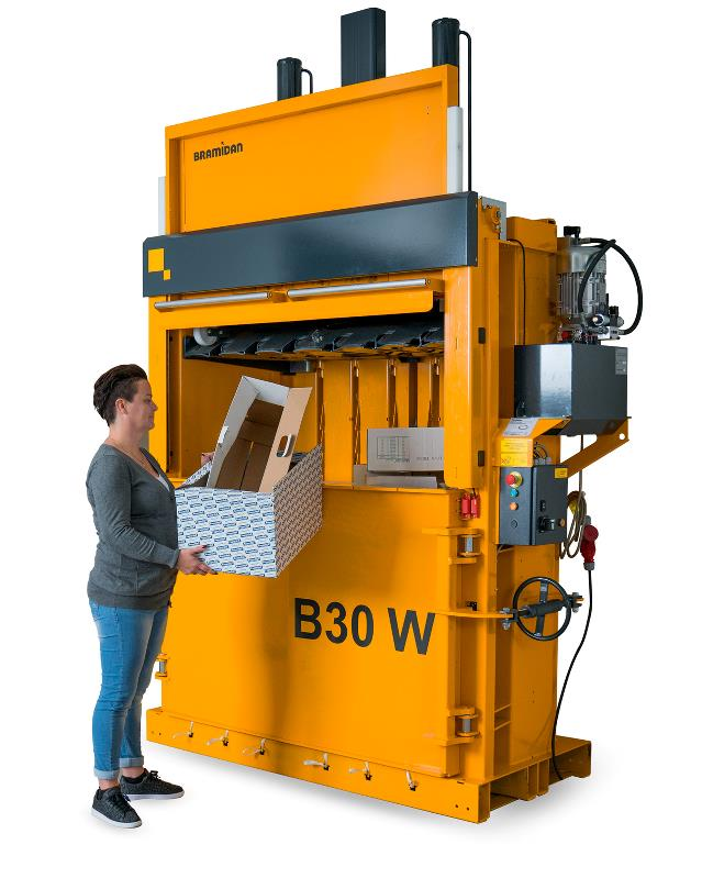Baler B30 Wide SD with Sliding door for easy filling